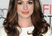 Anne Hathaway Frisuren Dunkel Langhaarfrisur Everett Collection / Shutterstock.com