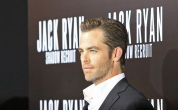 Frisuren Chris Pine Gelfrisur Bart Herrenfrisur Joe Seer / Shutterstock.com