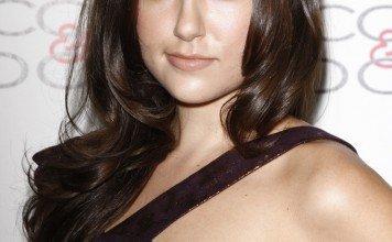 Frisuren Sasha Grey Langhaar Volumen Schwarz Phil Stafford / Shutterstock.com