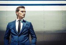 Kurzhaarfrisuren Männer Model Anzug