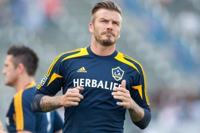 David Beckham Frisuren Blond Herrfrisur Seite Kurz Photo Works / Shutterstock.com