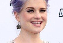 Kelly Osbourne Frisuren Hochsteckfrisur Lila Haarfarbe Helga Esteb / Shutterstock.com