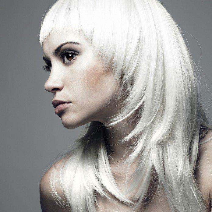 Haarfarbe Weiss Langhaar Pony Trend Frisuren Magazin