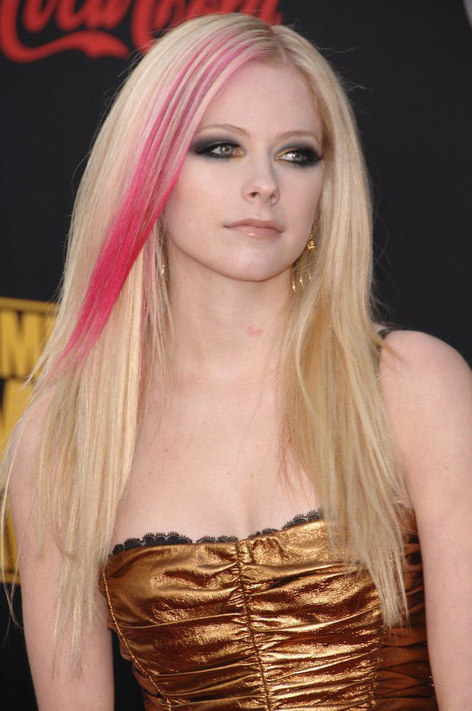 Undercolors Avril Lavigne Haarfarbe Styling