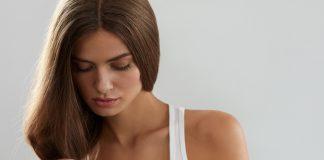 Tipps Haarprobleme sprödes dünnes glanzloses Haar puhhha shutterstock.com