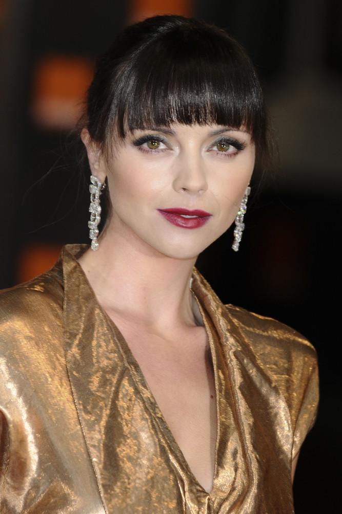 Christina Ricci Frisuren Die Neuesten Hairstyles