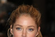 Doutzen Kroes Frisuren Hairstyle Blond Langhaarfrisur Zopf Featureflash Photo Agency Shutterstock.com (2)