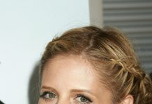 Sarah Michelle Gellar Frisuren Hairstyle Blond Langhaarfrisur Flechtfrisur Zopf Entertainment Press Shutterstock.com