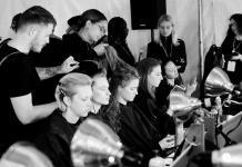 Internationale Fashion Weeks - REDKEN Creative Director Guido Palau stylt die Looks Herrera Show REDKEN/Fotocredit: Jane Kratochvil